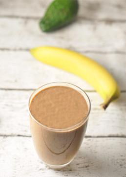 love energy frecious chocolate-avocado-banana-smoothie2